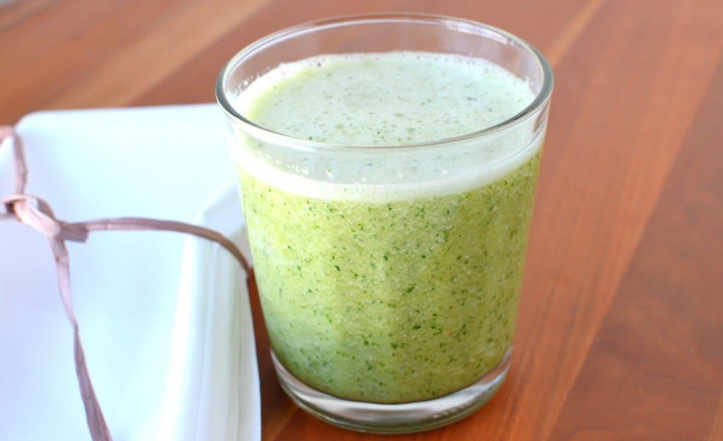Green Kale Smoothie - 24 Carrot Kitchen