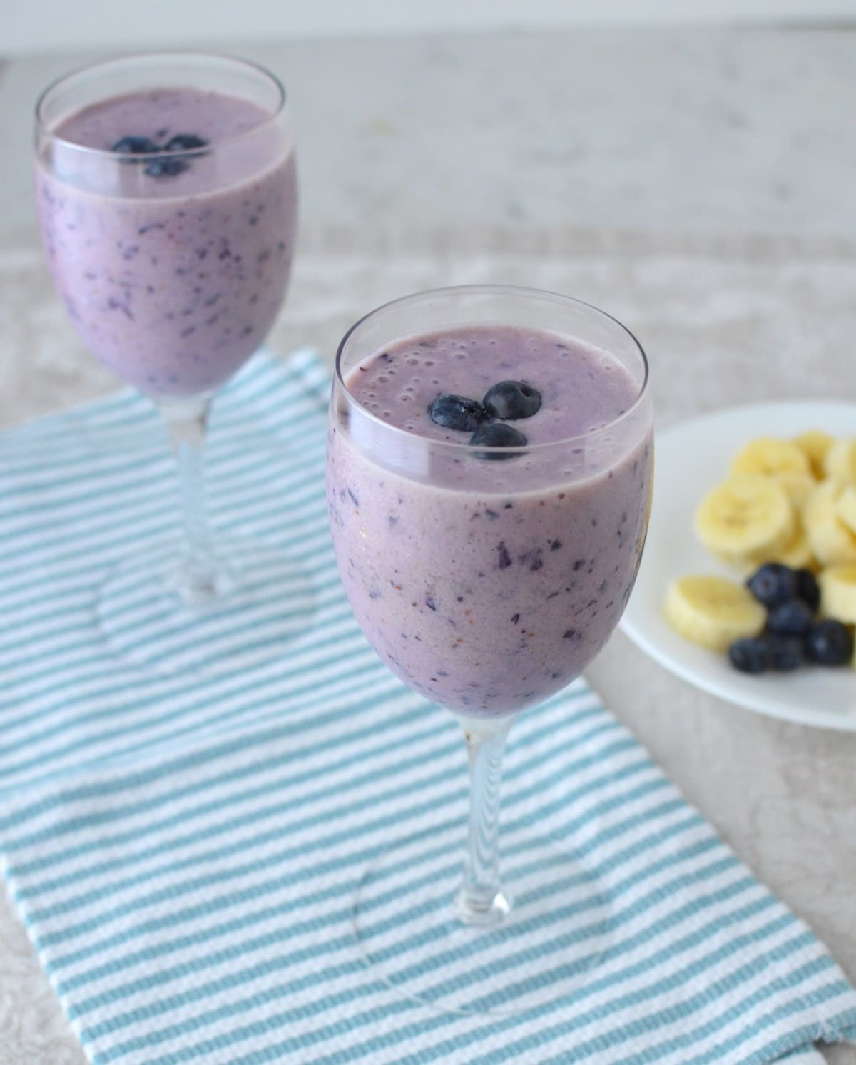 blueberry pineapple smoothie here today using fresh blueberries ...