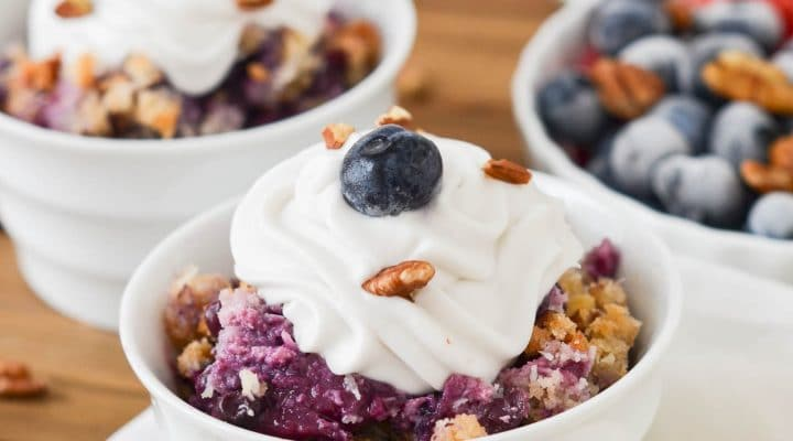 How To Make An Amazing Peach Blueberry Crumble!