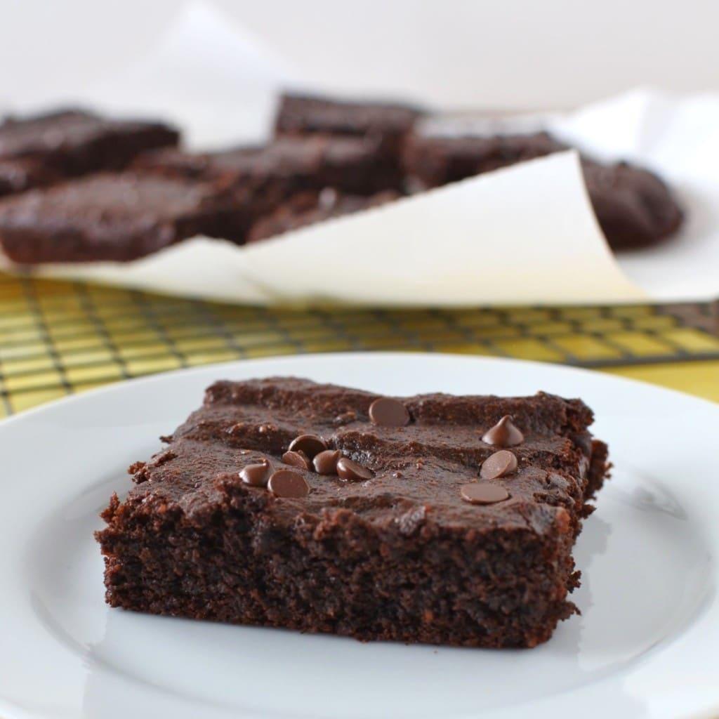 Fudgy Paleo Brownies - 24 Carrot Kitchen