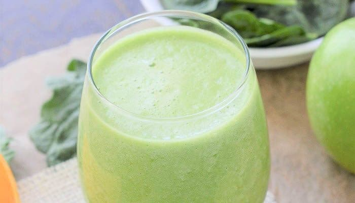 3 Easy Steps To The Best Spinach Apple Smoothie!